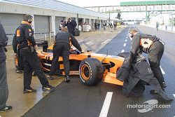 Enrique Bernoldi back in the pits