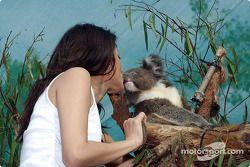 Visita al zoológico de Melbourne: ¡Competencia para Alex!