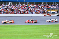 Tony Stewart, Dale Earnhardt Jr. y Sterling Marlin