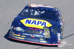 Michael Waltrip et Bobby Labonte ont eu un accrochage en début de course