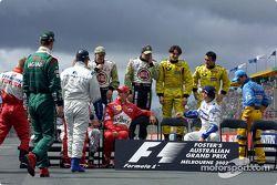 Vorbereitungen auf das Gruppenfoto der Formel-1-Fahrer 2002