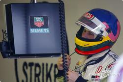 Jacques Villeneuve preparándose