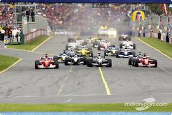 The start: Rubens Barrichello, David Coulthard, Ralf Schumacher and Michael Schumacher leading the c