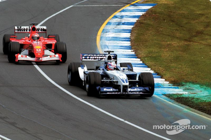 Michael Schumacher jagt Juan Pablo Montoya rundenlang, bis er ...
