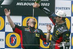 Champagne voor Mark Webber en Paul Stoddart