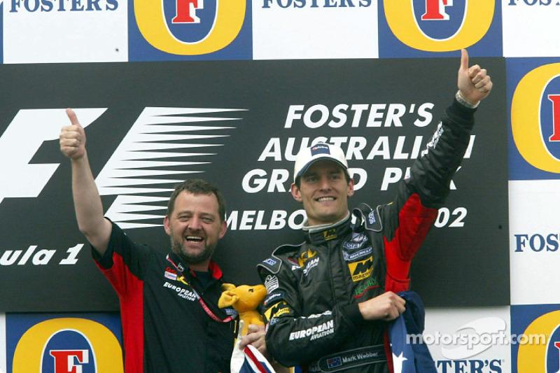Mark Webber, Paul Stoddart y el canguro boxeador celebrando