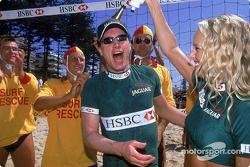 Eddie Irvine divirtiéndose