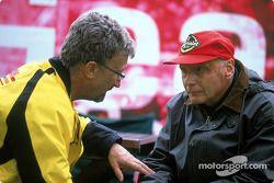 Eddie Jordan y Niki Lauda