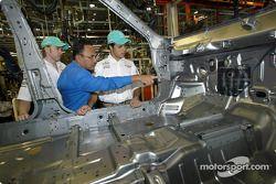 Visit at Proton car factory in Shah Alam: Nick Heidfeld and Felipe Massa