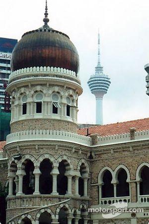 Kuala Lumpur: Abdul Samad building and the Kuala Lumpur tower in the background