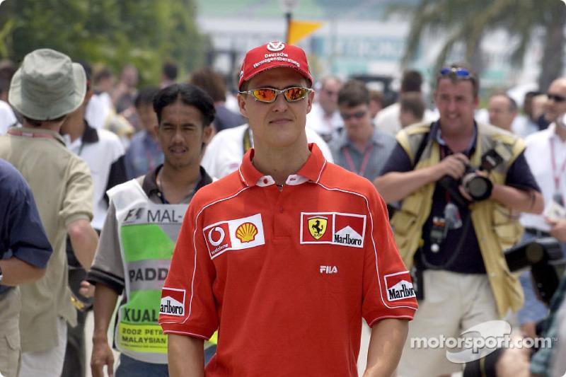 Michael Schumacher llegando a la pista
