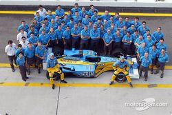 Group shot: Jenson Button, Jarno Trulli ve Team Renault F1