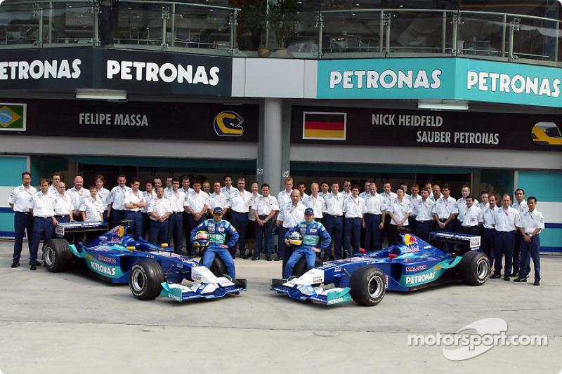 Group shot: Felipe Massa, Nick Heidfeld and Team Sauber