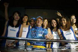 Jarno Trulli et Jenson Button en charmante compagnie