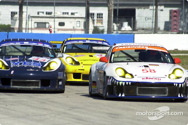 Un groupe de Porsche GT3 RS