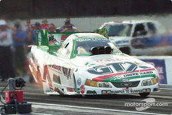 John Force has a good chance of getting win #100 this weekend