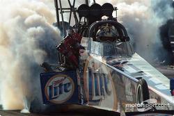 Larry Dixon took the #1 spot in Top Fuel qualifying