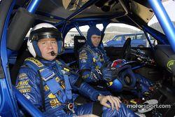 Petter Solberg avec le directeur technique de Subaru : David Lapworth