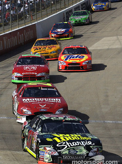 Kurt Busch leading Elliott Sadler