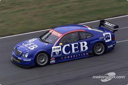 Patrick Huisman pilote la Mercedes-Benz CLK-DTM 2001 du CEB AMG Mercedes Team