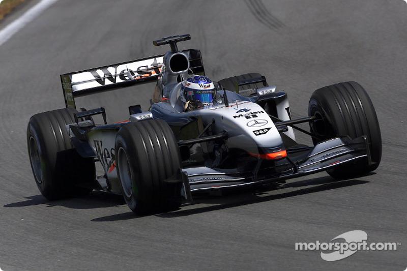 2002: McLaren MP4-17 Mercedes (одна победа, 3-е место в КК)