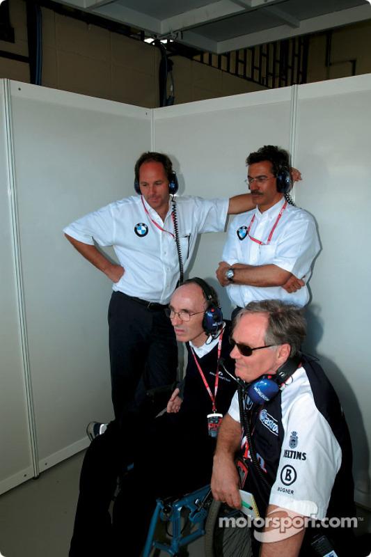 Frank Williams, Patrick Head, Gerhard Berger y el Dr Mario Theissen