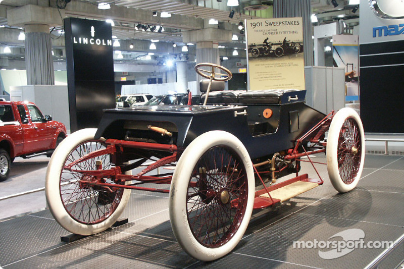 Henry Fords Sweepstakes Car At New York International Auto - Henry ford car show