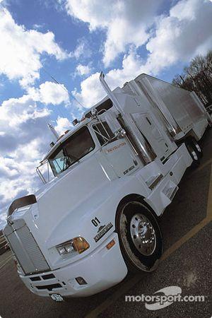 Le camion du Revolution Motorsports