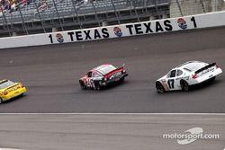 Jack Sprague et Matt Kenseth suivent le pace car