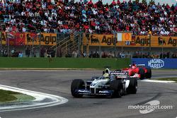 Ralf Schumacher delante de Rubens Barrichello