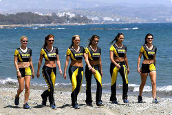 Les charmante Pirelli Girls
