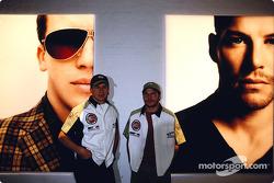 El artista británico Julian Opie junta el arte con las carreras de Fórmula Uno: Olivier Panis y Jacq