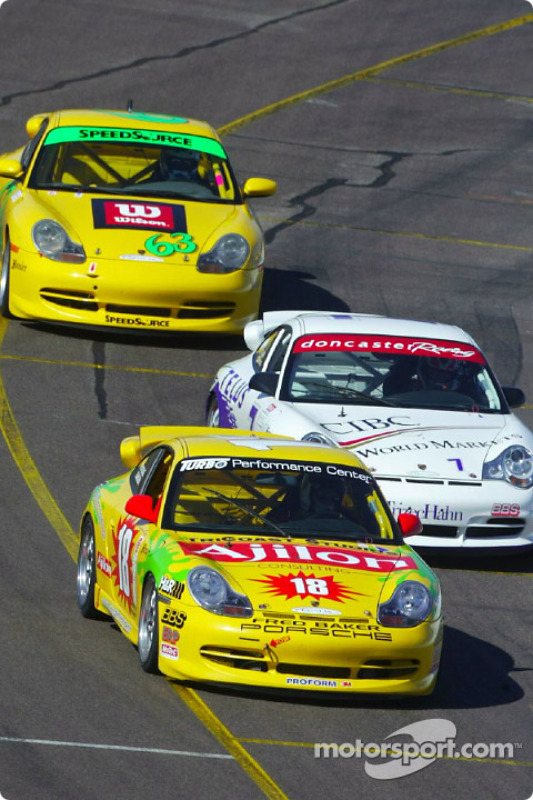 A pack of Porsches at the UnitedAuto Sport 250