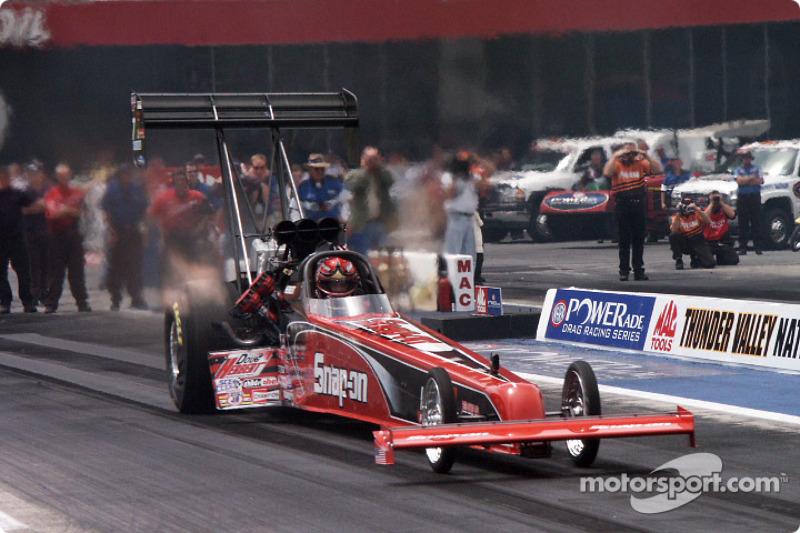 Herbert launches on qualifying run
