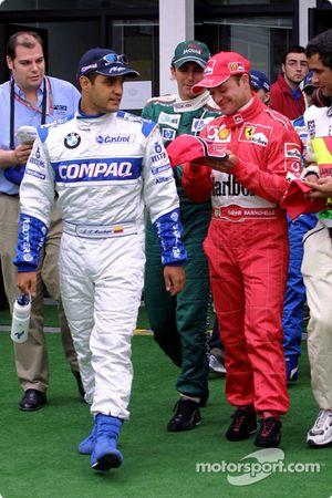 Desfile de pilotos: Juan Pablo Montoya y Rubens Barrichello