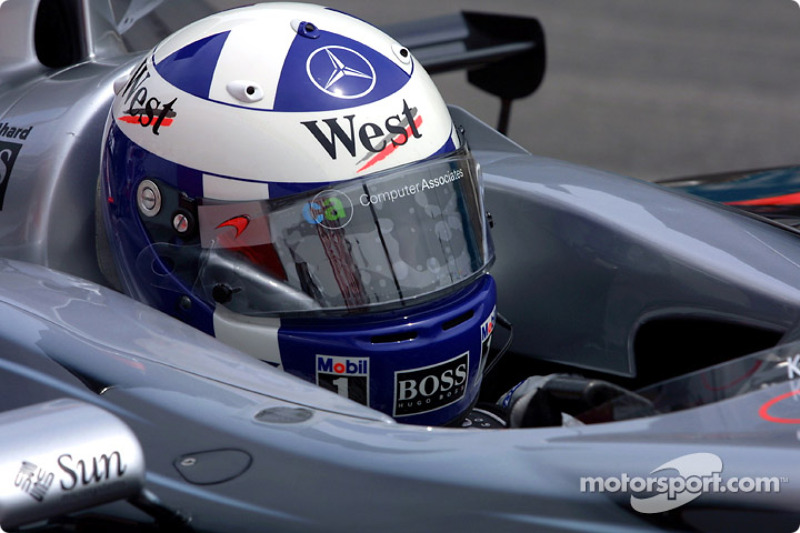 David Coulthard en la parrilla de salida
