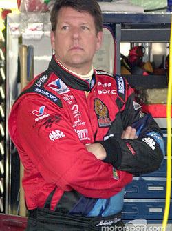 Johnny Benson pasó dos días en el hospital con costillas fracturadas sufridas en la carrera Busch