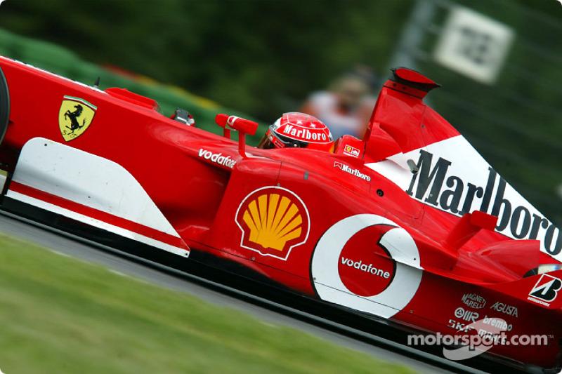 Немец выиграл четыре из пяти первых Гран При сезона и лидировал в чемпионате с большим преимуществом