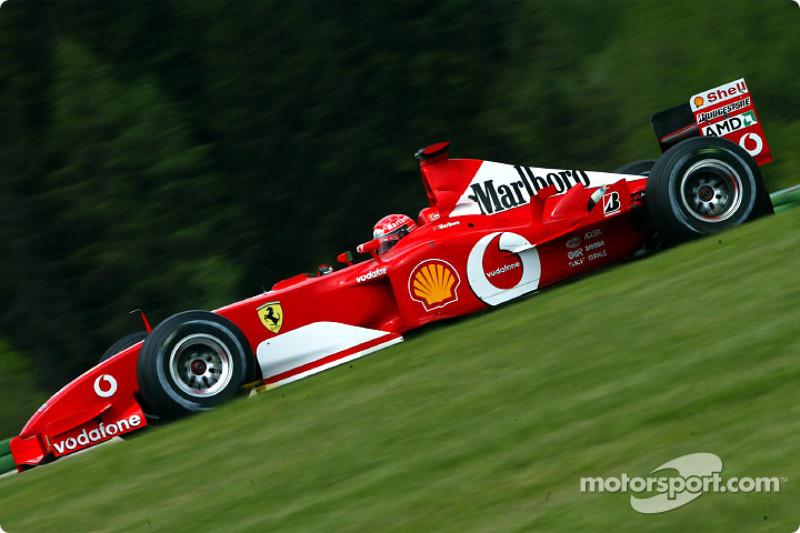 После рестарта и второй волны пит-стопов Михаэль Шумахер вернул себе вторую позицию, опередив Ральфа
