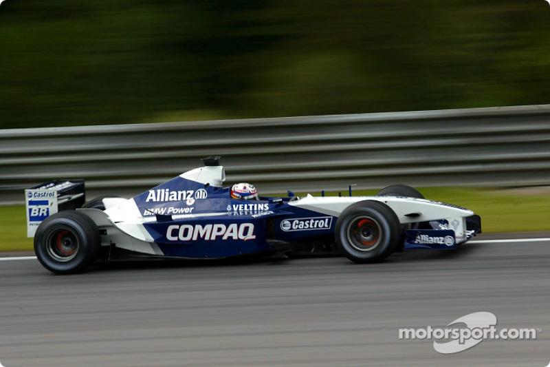 Шумахер-младший потерял и третье место, после того как Монтойя выехал прямо перед ним со своего пит-стопа