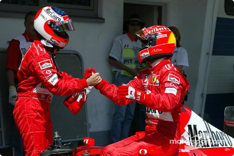 Феттель завершил на подиуме 54% от первых 100 гонок за Ferrari. У Шумахера этот показатель составил 67%, у Баррикелло - 55%. Масса и Райкконен Себу уступают