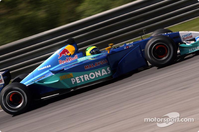 А Фелипе Масса только начинал путь к победам, проводя первый сезон в Sauber