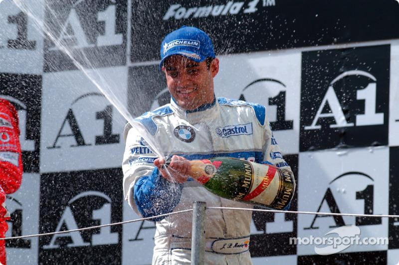 Единственным довольным человеком на подиуме выглядел Хуан-Пабло Монтойя, завершивший гонку в Шпильберге на третьей позиции