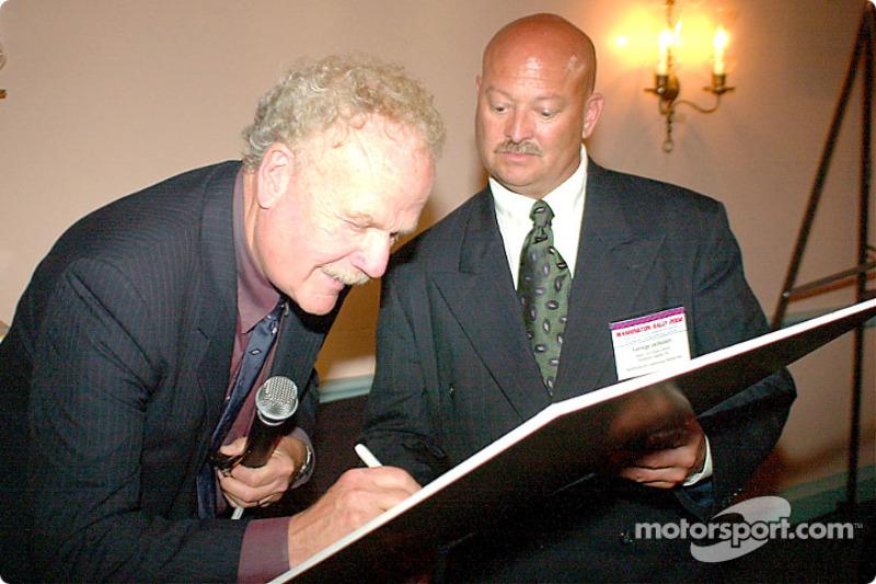 Demande d'autographe auprès de Dave McClelland