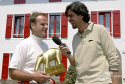 Rubens Barrichello receiving the 'Golden Tapir'