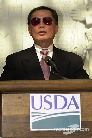 George Takei told stories about his boyhood in WWII US as a Japanese-American