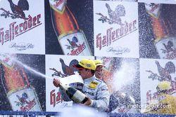 Champaña para Jean Alesi