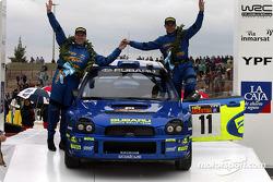 Petter Solberg y el copiloto Phil Mills
