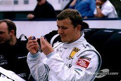 Marcel Fassler preparándose para la carrera