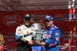 Ricky Rudd rompe el récord NASCAR